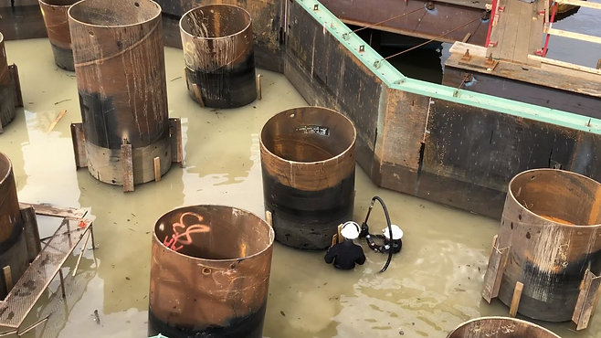 Marine Divers Seal Pier 2 Footings