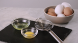 FOOD How to Separate Eggs