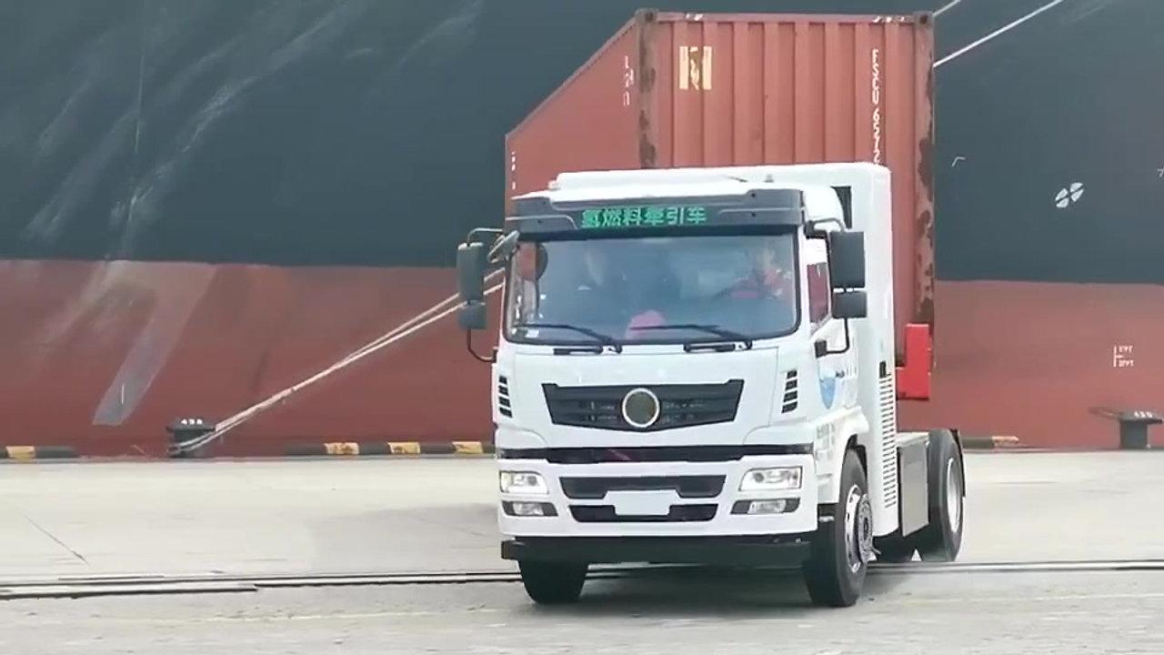 white truck run