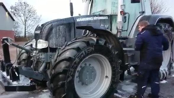 OLMO Lisan löst groben Schmutz schnell und gründlich an Geräten und Landmaschinen/Nutzfahrzeugen #3