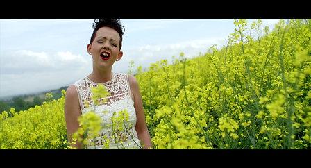 Drah di aussa - Christina Bruckner [offizielles Video]