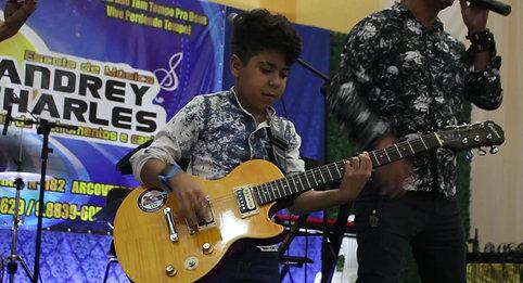 Escola de Música Andrey Charles- Apresentação 01