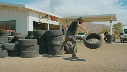 Carhartt_DeathValley_TireThrow_1502C
