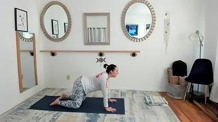 30 min Hip & Plank Yoga_Trim