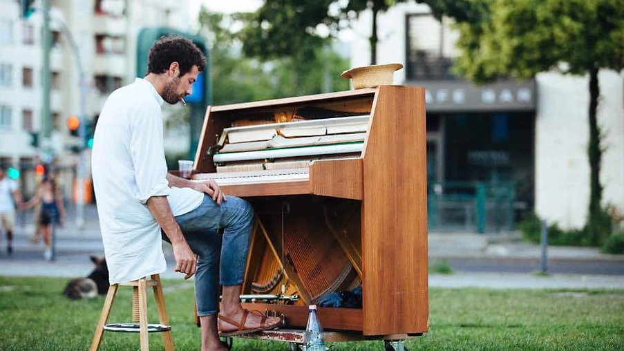 """documentary """"Piano Solo Street Sessions"""""""