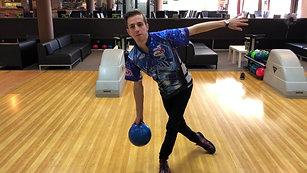 Miniškola bowlingu díl 3 Vypuštění koule a odhozová pozice