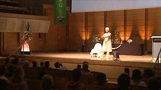 Shakta Kaur giving an Energetic Mantra at 2009 International Ayurveda & Yoga Conference Sydney.mov