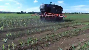 Spraying on the row is now completed This robot now gives way to his brothers for hoeing PrecisionSpraying PrecisionAg PlantProtection Pesticide