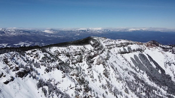 浅間山麓の雪山ハイキング!軽井沢スノーシューツアー