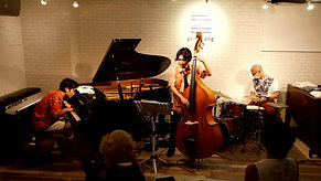 寺田稜太郎Standards Trio @ gallery zing