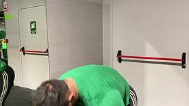 Variação de elevação lateral com halteres