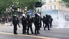 ワクチンパスをめぐるパリや他の都市でのデモ