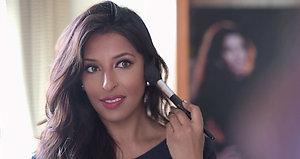 Personal Makeup Guru Samina Malik
