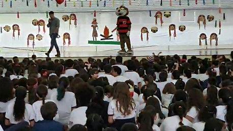 Ação do Mascote do Oeste nas EMEF Elvira