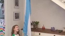 Francesca y la bandera