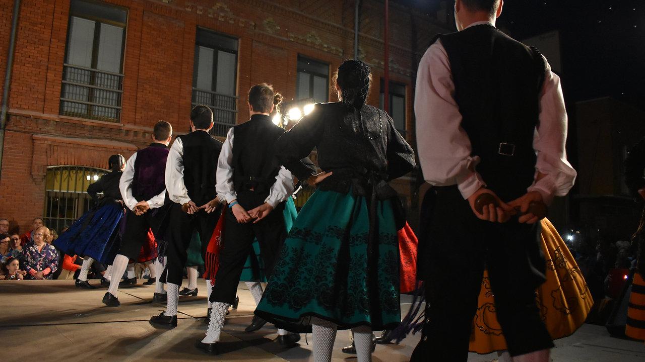 Danzas con coro