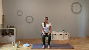Isabelle - Yogapause auf dem Stuhl