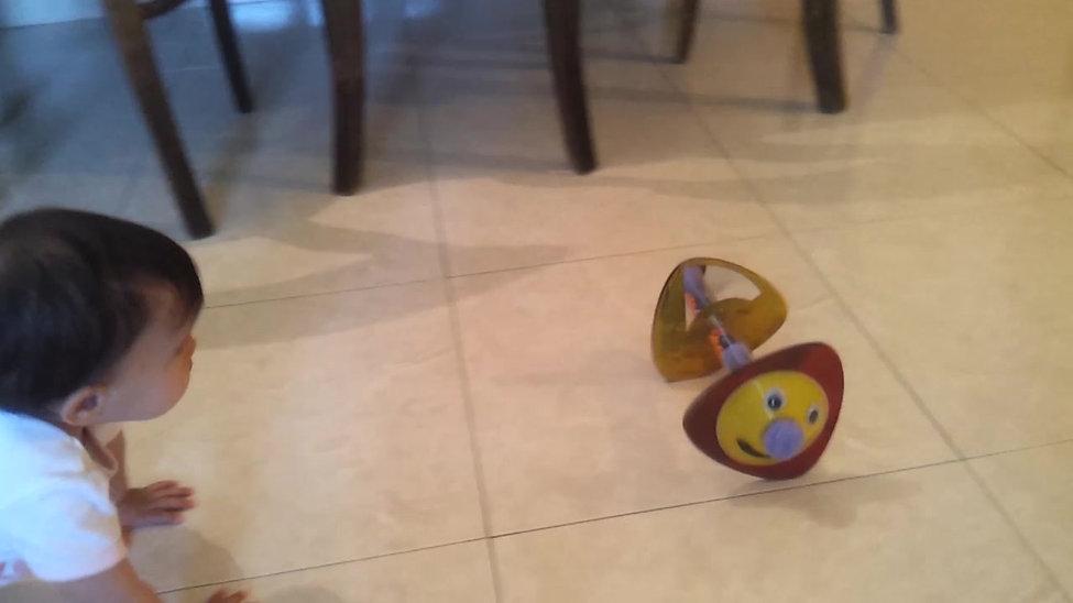 TinyLove Crawling Cat