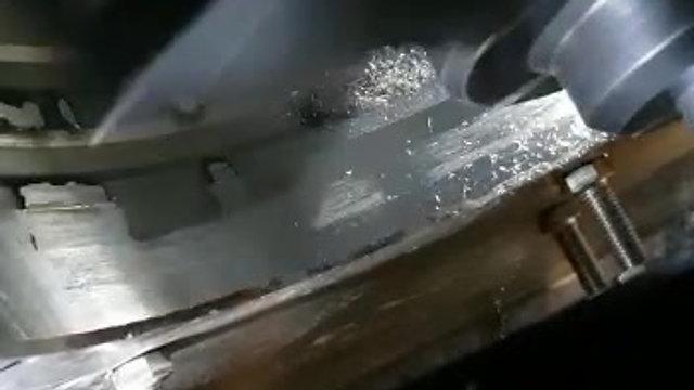 Mobile Bohr- und Schweissmaschine