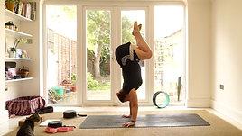30 min Vinyasa with Handstand play