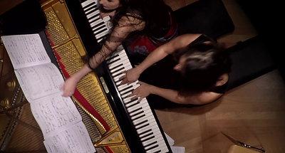 "Divan Duo performing ""Asir"" by Nazanin Piri"