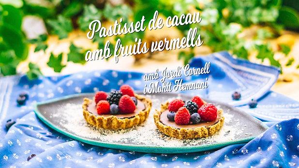 Pastisset de cacau amb fruits vermells