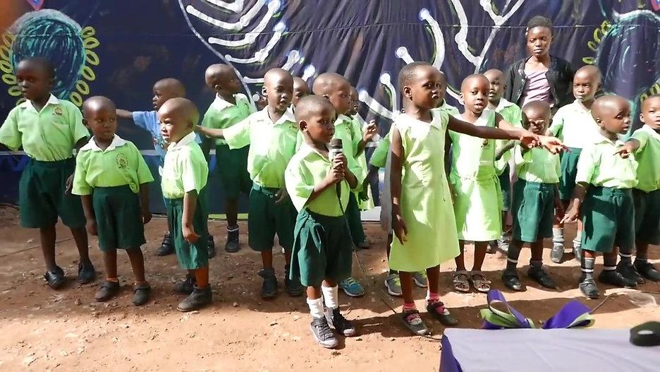 Senter 1 - Uganda - skoleavslutning nov. 2017