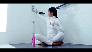 Turtleneck_sweater_in_the_shower[1]