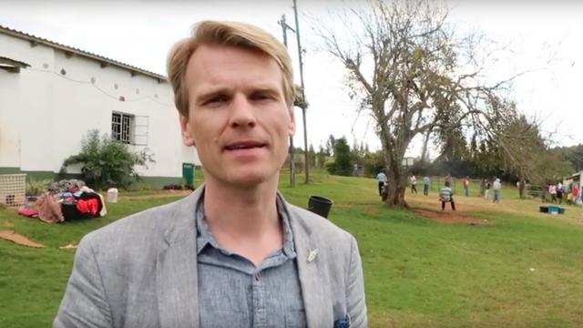 Reisebrev, intervjuer og reportasjer med Sveinung Hølmebakk