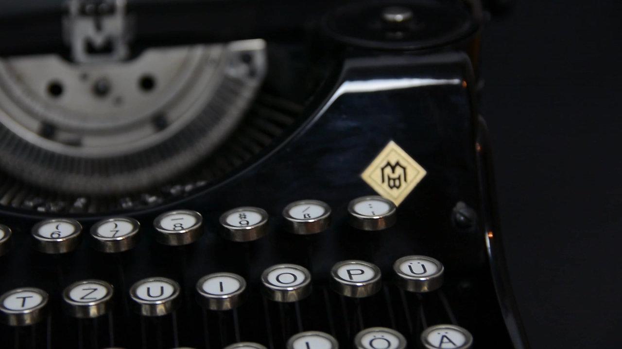 Product Video Presentation - Typewriter Mercedes Prima