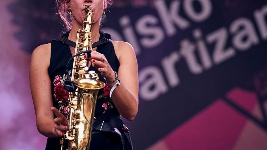 Florence Kraus *bands*