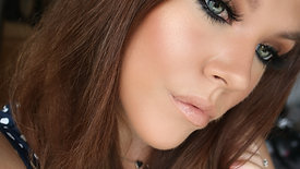 Natural nude with smudged liner