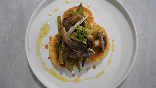 smoked shrooms' w/ crispy polenta & scallion oil