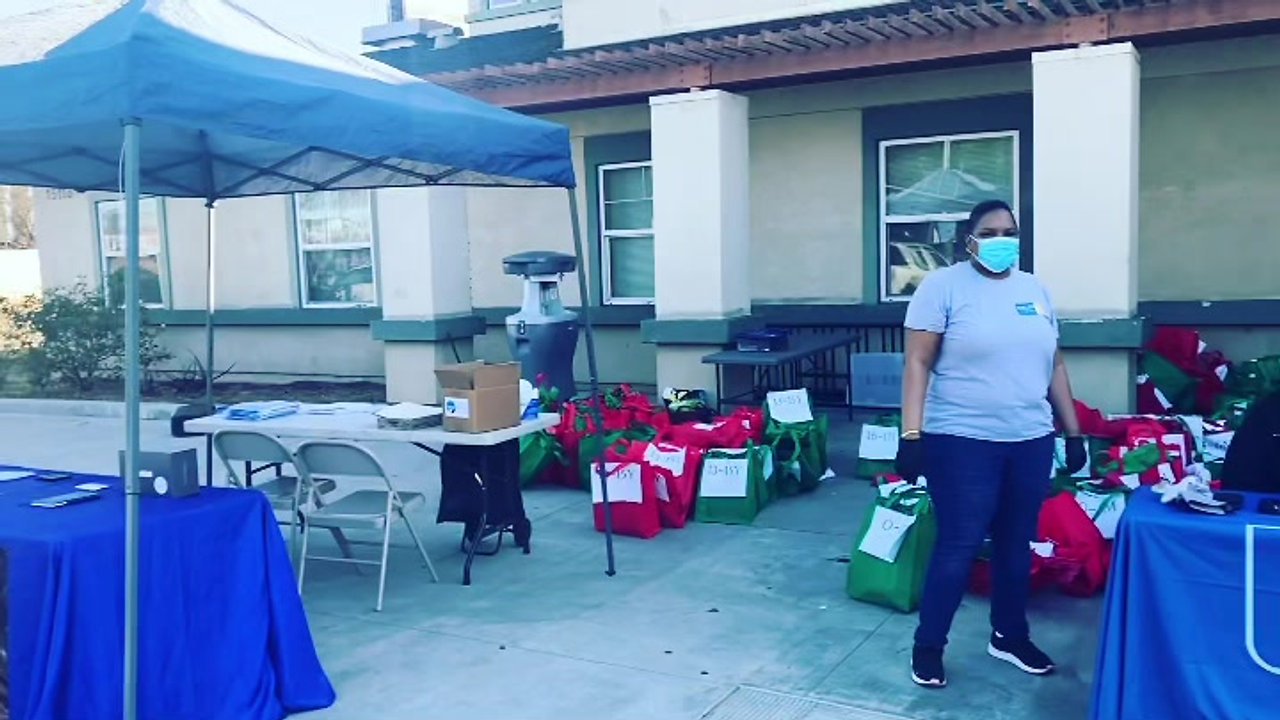 Best Start Compton Christmas Distribution