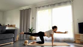 Flow Yoga | Gainage et Pause dans l'Instant Présent + Relaxation Guidée.