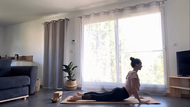 Yoga Class | Salutation au Soleil. Un court flow à faire à tout moment.