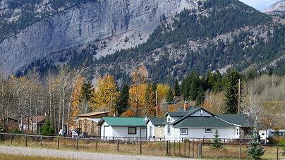 Houses & Acreages