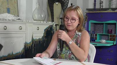 Artiste peintre sur mobilier