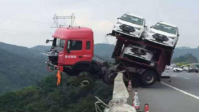 Top 10 Worst Truck Drivers