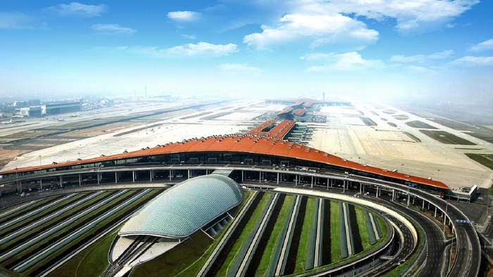 Top 10 Biggest Airports