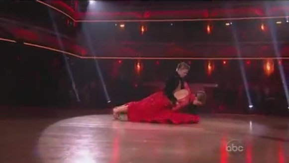 Maria Menounos & Derek Hough - Dancing with the Stars