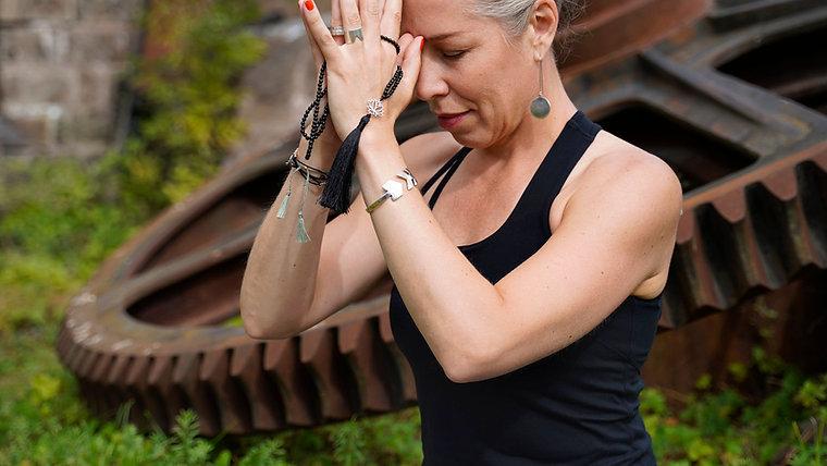 Yoga med Nina Hillerström