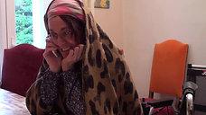 Madame Safarti passe sur internet
