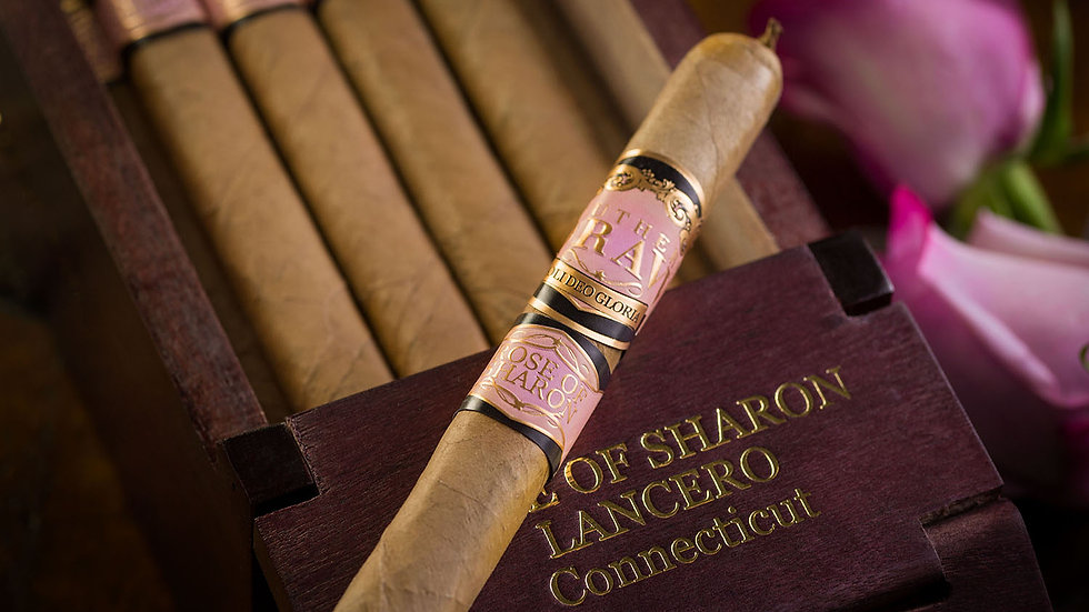 Rose of Sharon Lancero Cigar Review/ Revisa de Cigarro (English & Spanish)