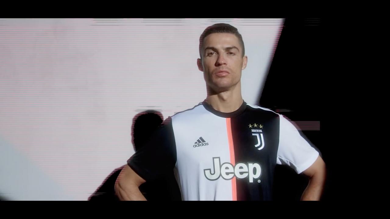 """Never Fear Change"" Juventus Turin X Adidas"