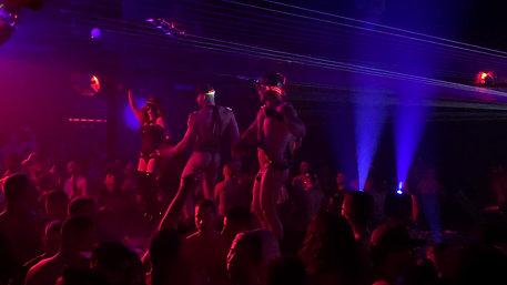 VALERIA COUTIER & DANCERS