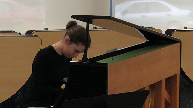 Elsa plays Moonlight Sonata by Beethoven