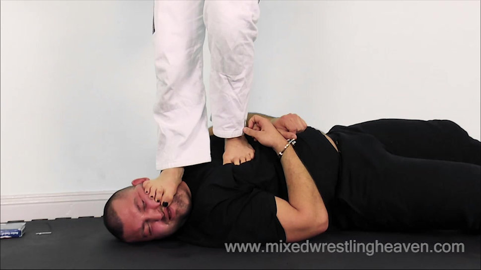MWH0052 Punished for stealing from the gym - Face trample