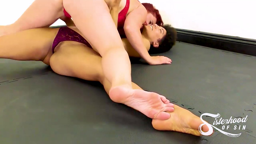SOS0228 Wild Women - Full Body PIns - Sativa vs Davina Carrington