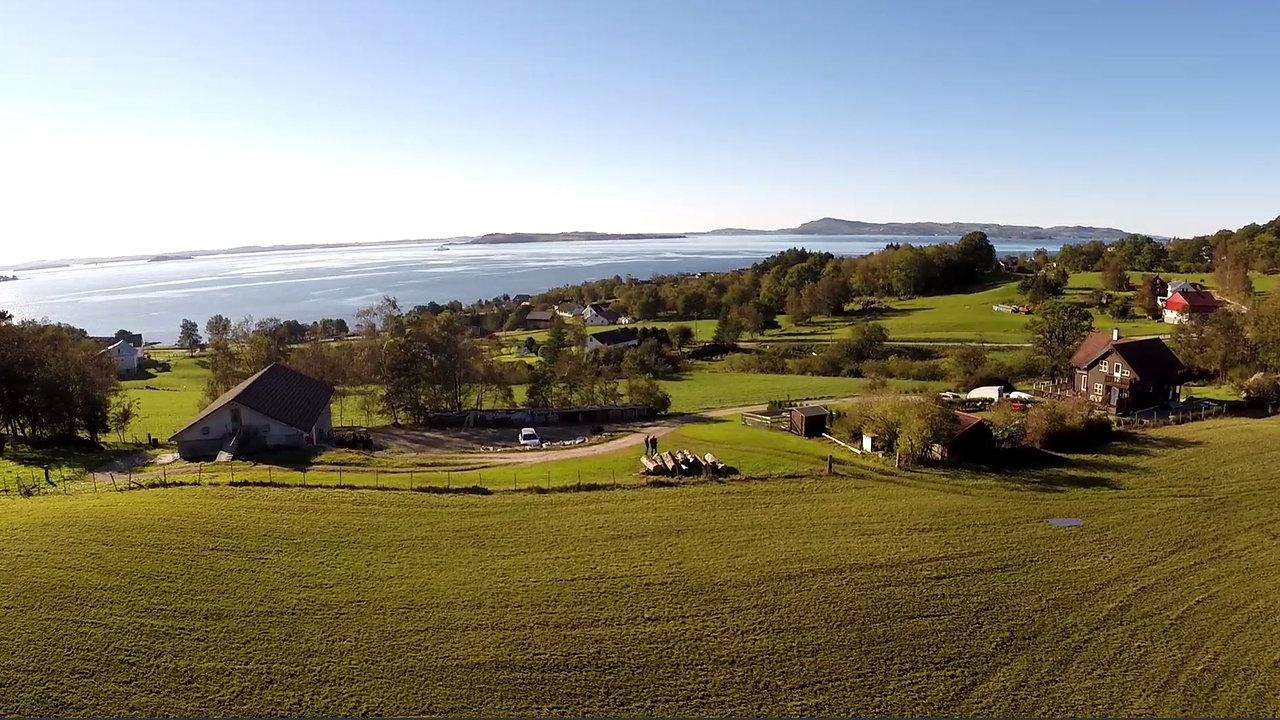 Dronefilm fra Strand gård